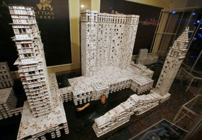 世界最大扑克牌建筑